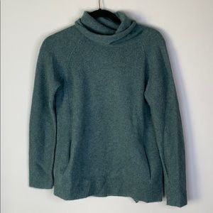 Max studio green cashmere turtleneck sweater xs